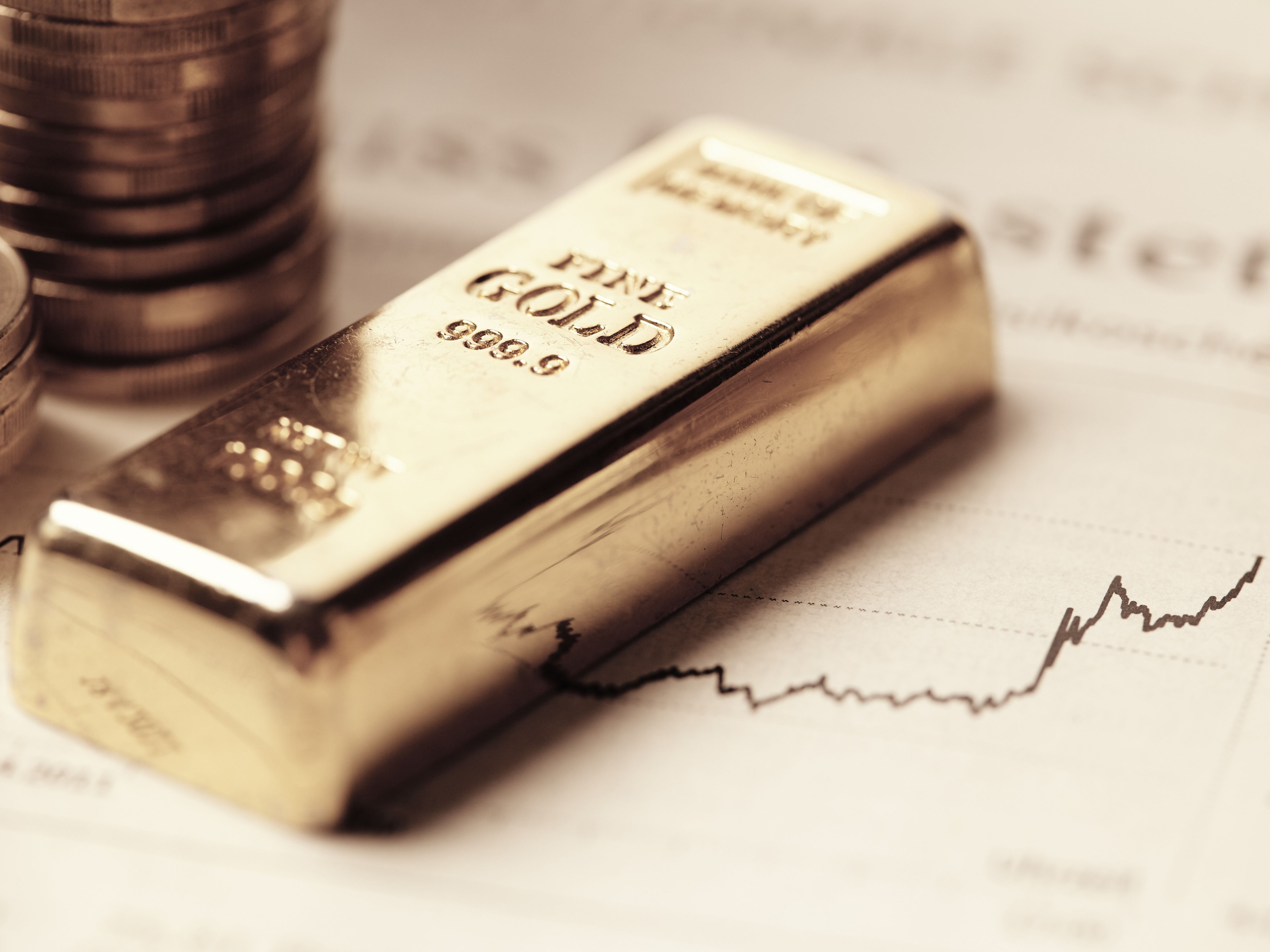 Gold scrambles to hold weekly support – is a rally next? (GOLD, DXY)